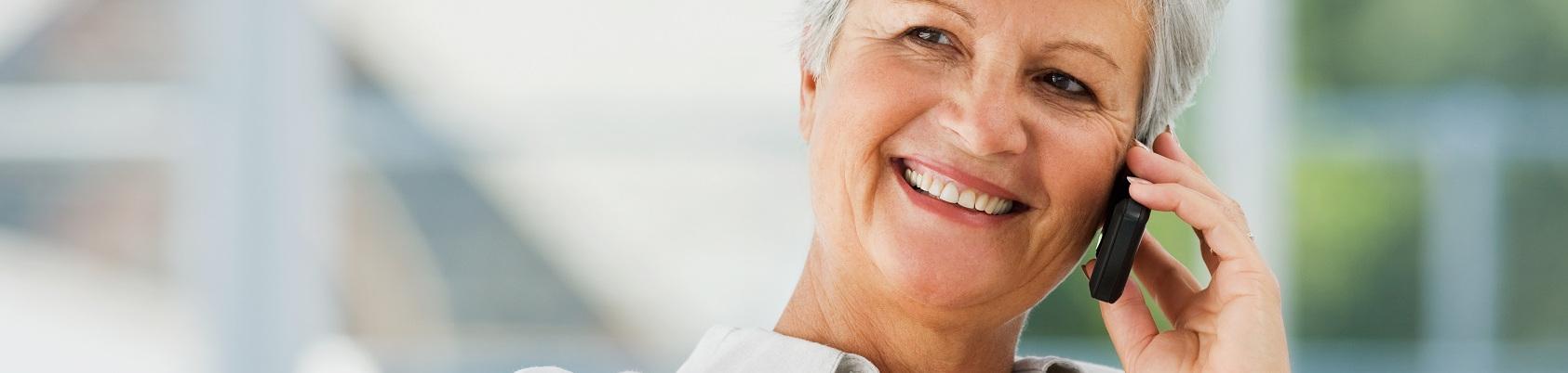 Telefon dla emeryta – babci lub dziadka