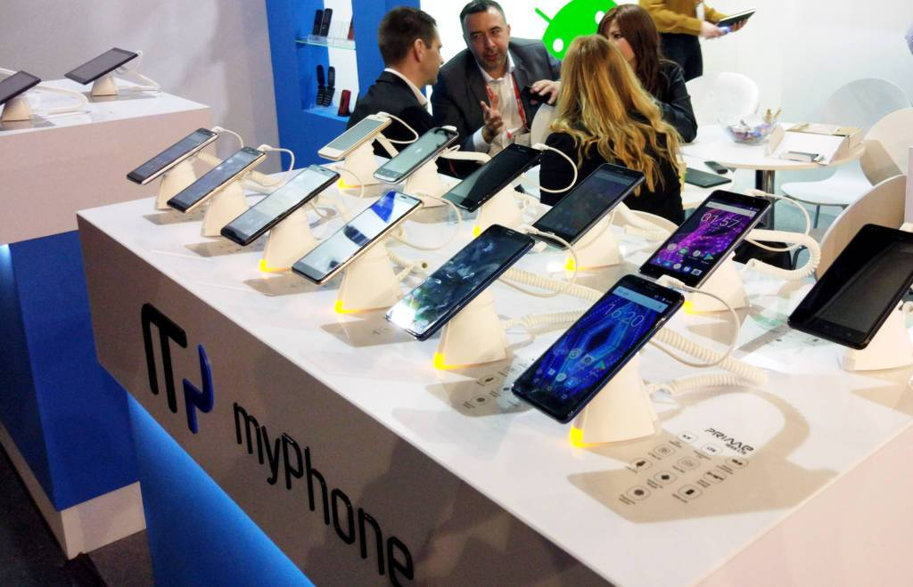 MWC 2018 in Barcelona. We are presenting smartphones 18:9, new classics and tablets